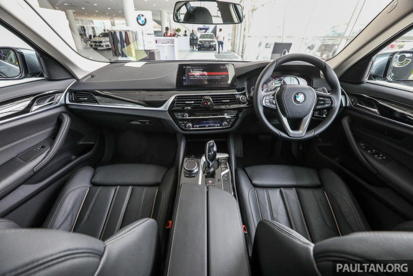 GALLERY: BMW 530e iPerformance plug-in vs 530i Image #769795
