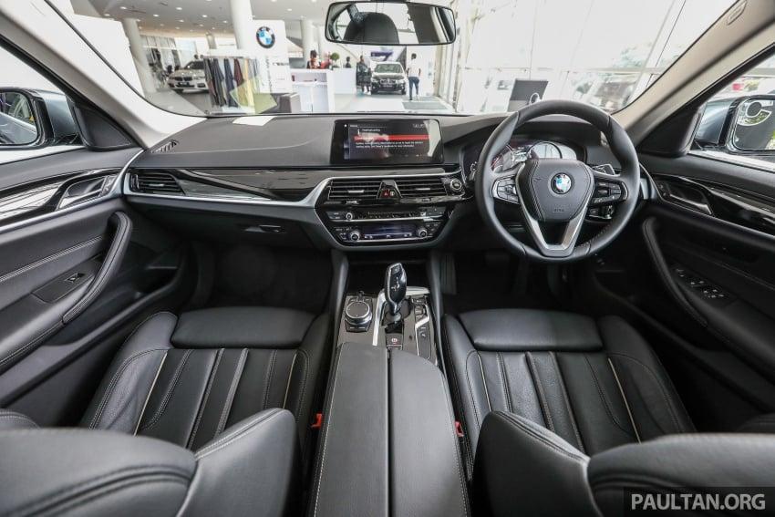 GALLERY: BMW 530e iPerformance plug-in vs 530i Image #769795