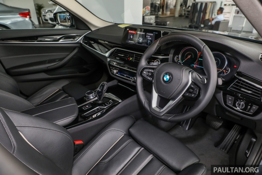 GALLERY: BMW 530e iPerformance plug-in vs 530i Image #769796
