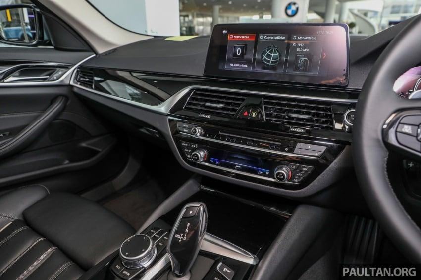 GALLERY: BMW 530e iPerformance plug-in vs 530i Image #769799