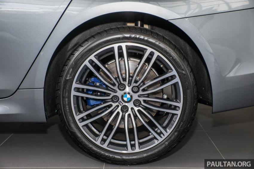 GALLERY: BMW 530e iPerformance plug-in vs 530i Image #769827