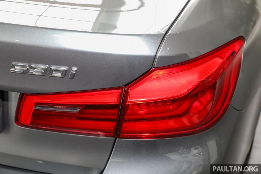 GALLERY: BMW 530e iPerformance plug-in vs 530i Image #769831