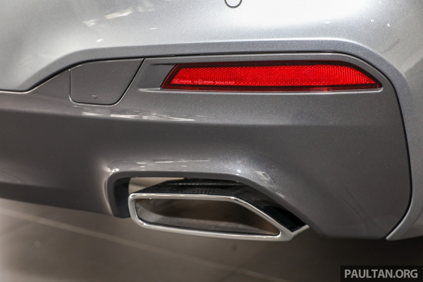 GALLERY: BMW 530e iPerformance plug-in vs 530i Image #769832