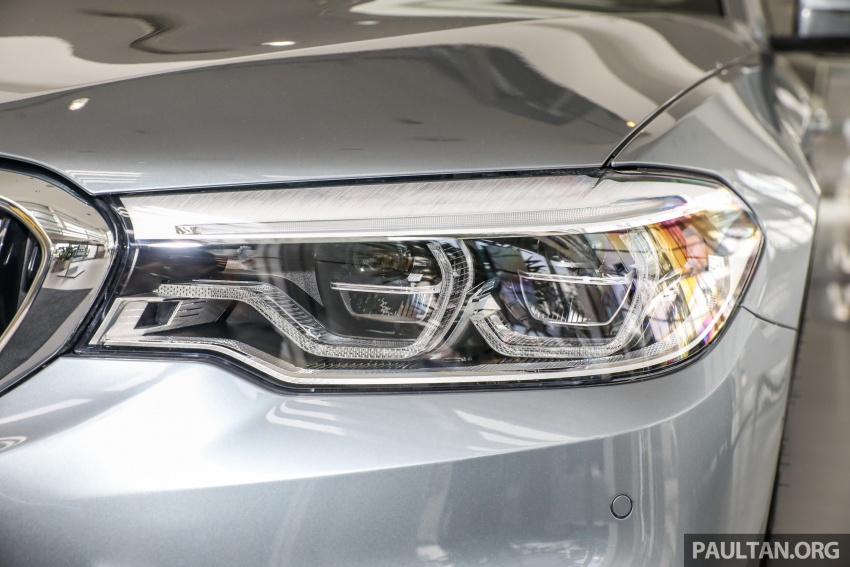GALLERY: BMW 530e iPerformance plug-in vs 530i Image #769821