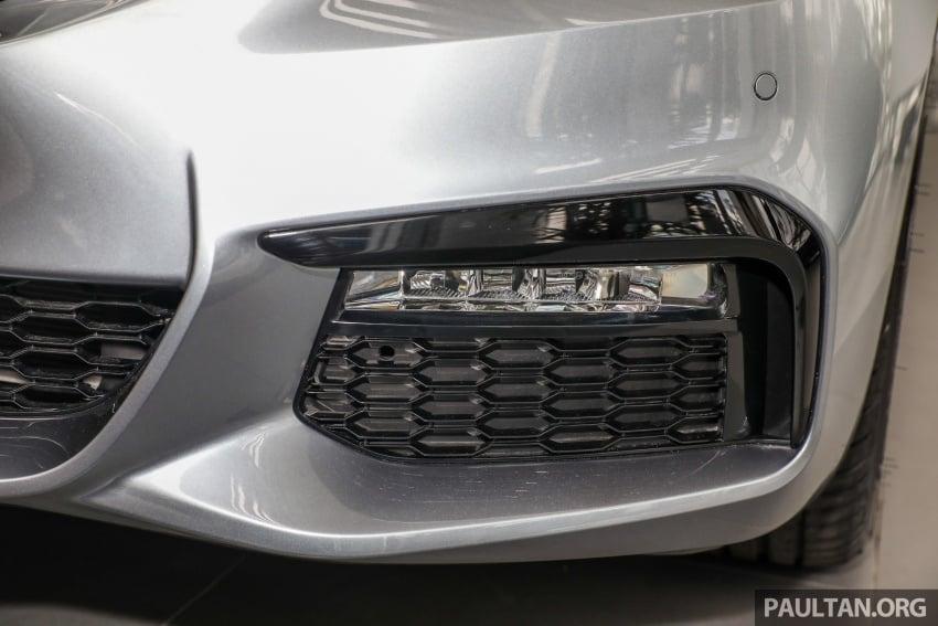 GALLERY: BMW 530e iPerformance plug-in vs 530i Image #769822