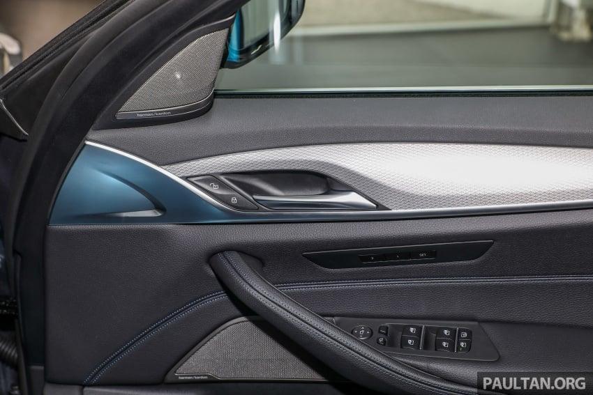GALLERY: BMW 530e iPerformance plug-in vs 530i Image #769851