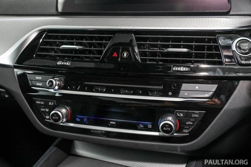 GALLERY: BMW 530e iPerformance plug-in vs 530i Image #769841