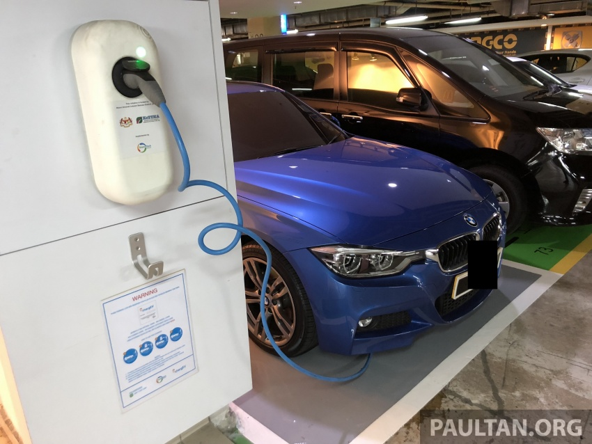 An open letter to all plug-in hybrid users – public EV charging bays aren't parking slots, or personal spaces Image #772120
