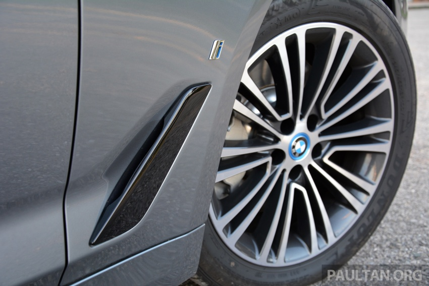 DRIVEN: G30 BMW 530e iPerformance plug-in hybrid Image #758383