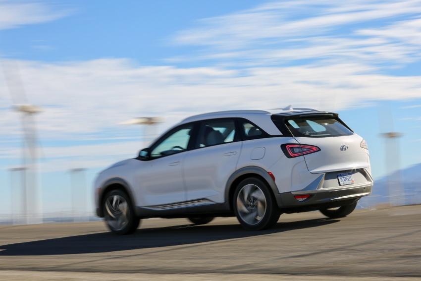 Hyundai Nexo – hydrogen fuel cell EV debuts at CES Image #758232