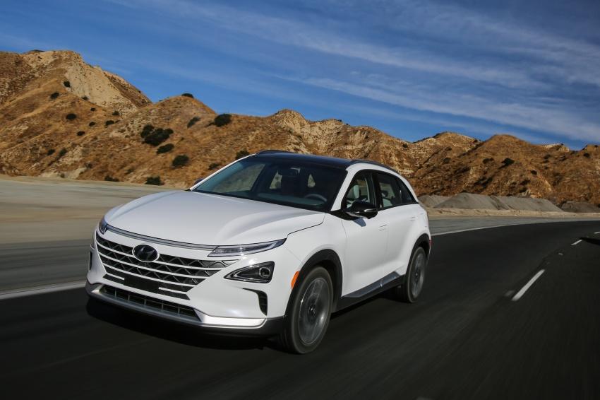 Hyundai Nexo – hydrogen fuel cell EV debuts at CES Image #758249