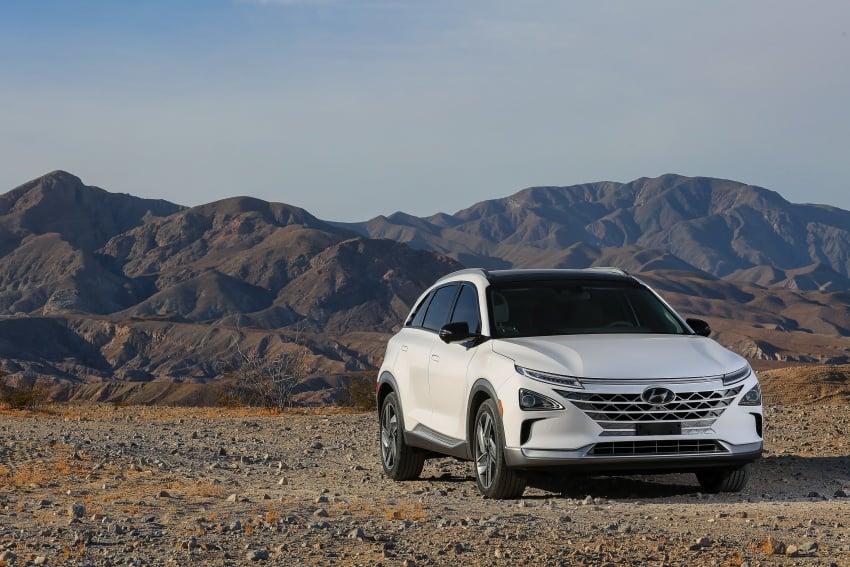 Hyundai Nexo – hydrogen fuel cell EV debuts at CES Image #758257