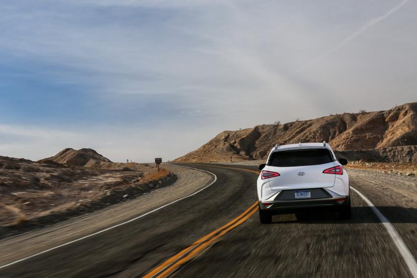 Hyundai Nexo – hydrogen fuel cell EV debuts at CES Image #758260