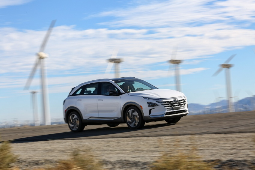 Hyundai Nexo – hydrogen fuel cell EV debuts at CES Image #758234