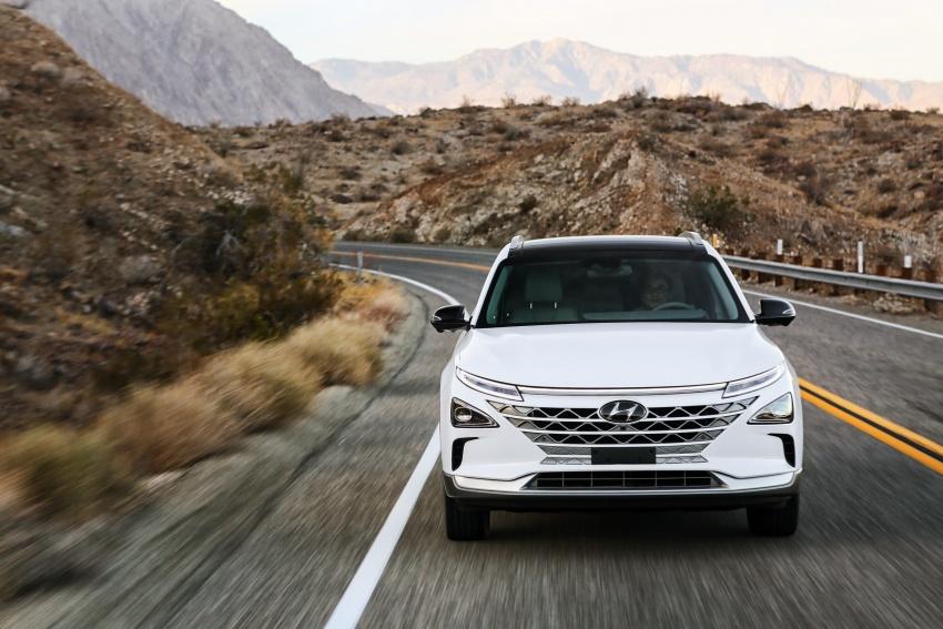 Hyundai Nexo – hydrogen fuel cell EV debuts at CES Image #758263