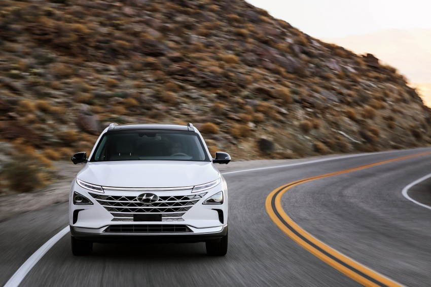 Hyundai Nexo – hydrogen fuel cell EV debuts at CES Image #758264