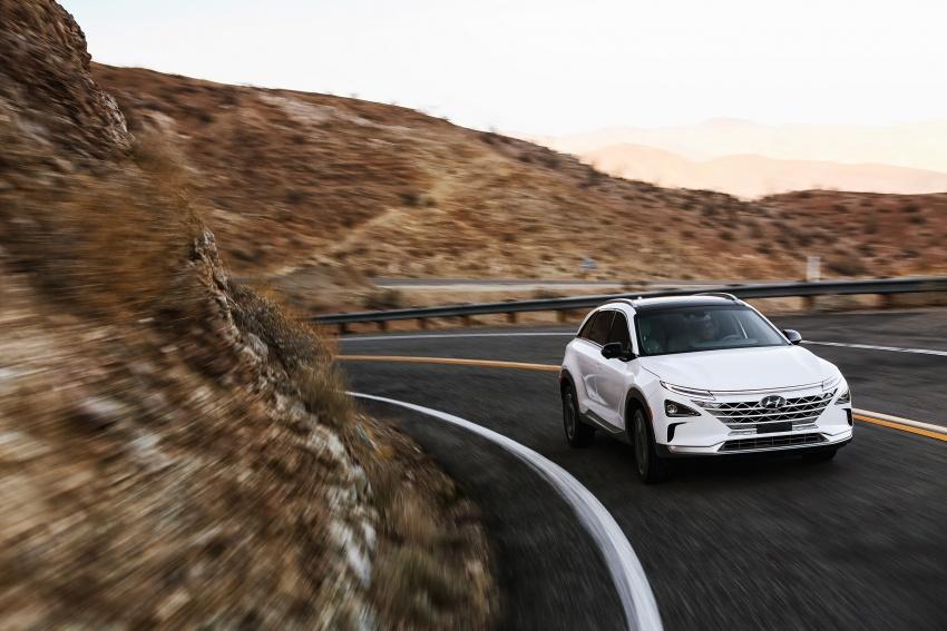 Hyundai Nexo – hydrogen fuel cell EV debuts at CES Image #758268