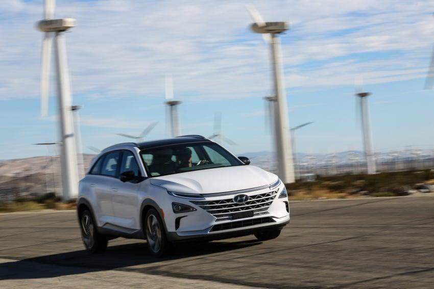 Hyundai Nexo – hydrogen fuel cell EV debuts at CES Image #758235