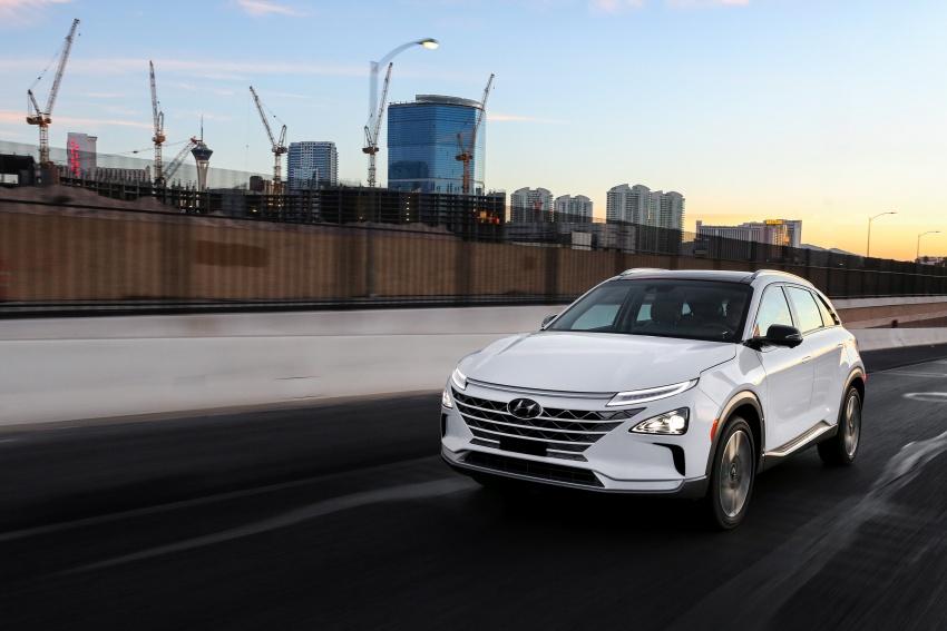 Hyundai Nexo – hydrogen fuel cell EV debuts at CES Image #758275