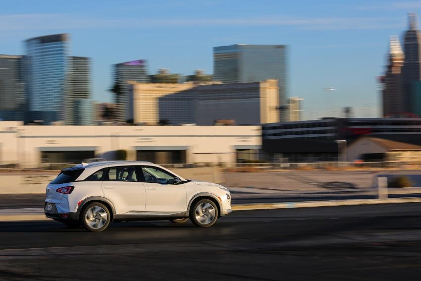 Hyundai Nexo – hydrogen fuel cell EV debuts at CES Image #758278