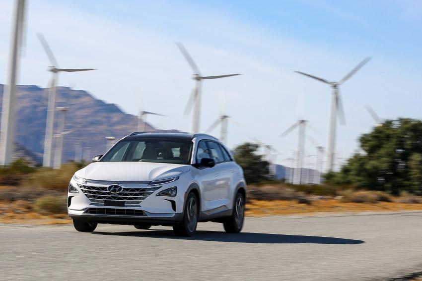 Hyundai Nexo – hydrogen fuel cell EV debuts at CES Image #758236