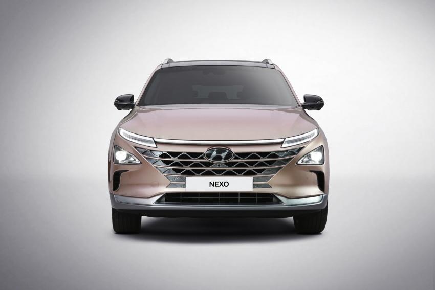 Hyundai Nexo – hydrogen fuel cell EV debuts at CES Image #758294