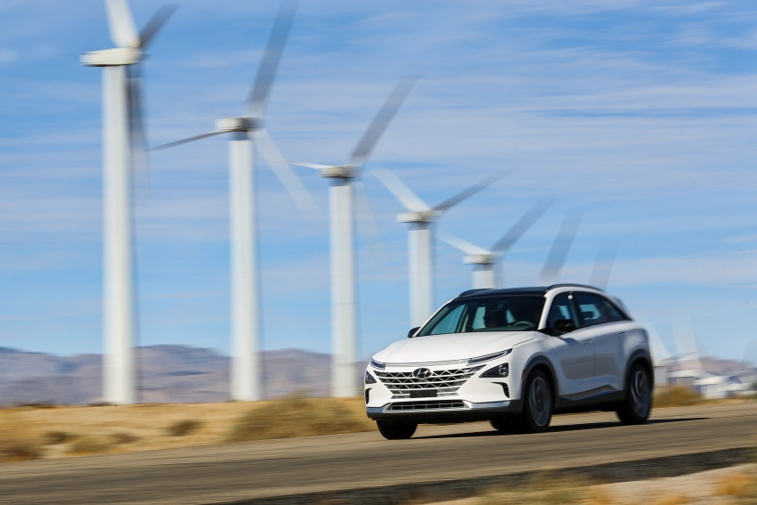 Hyundai Nexo – hydrogen fuel cell EV debuts at CES Image #758237