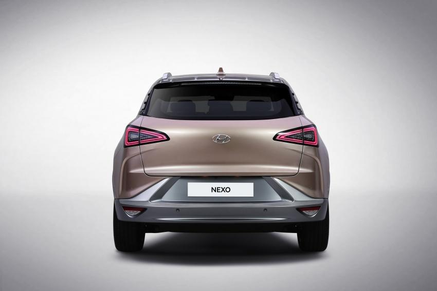Hyundai Nexo – hydrogen fuel cell EV debuts at CES Image #758298