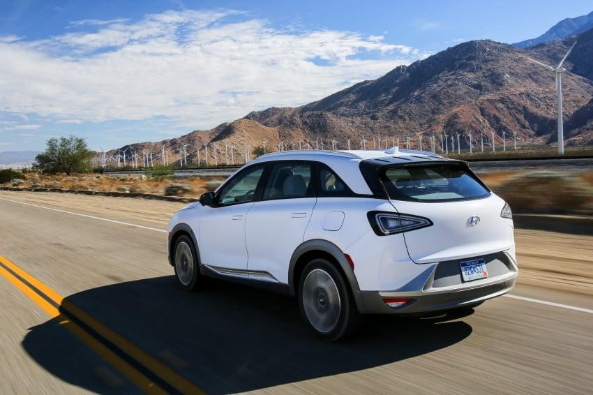 Hyundai Nexo – hydrogen fuel cell EV debuts at CES Image #758238