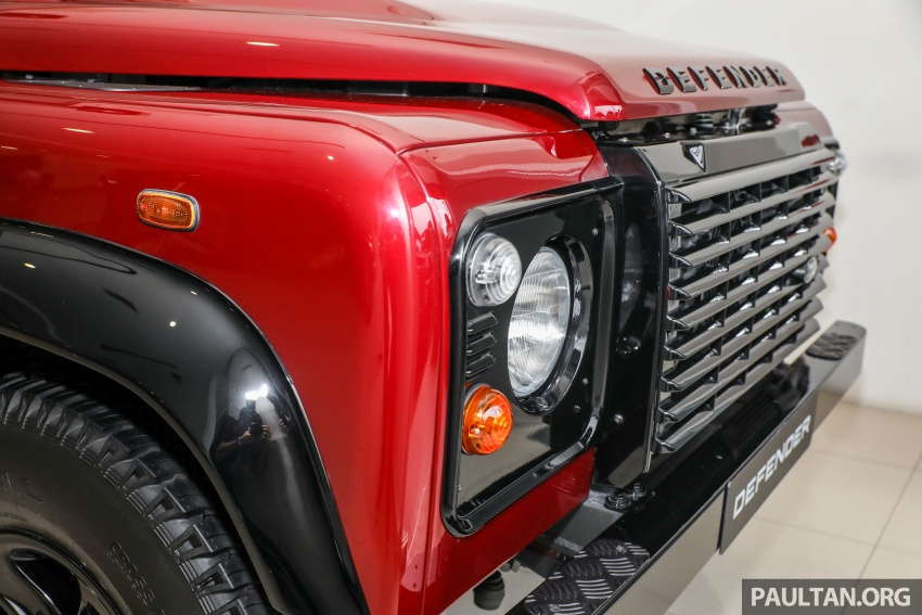 Land Rover Defender – final commemorative edition of 12 units introduced in Malaysia, three special colours Image #767835