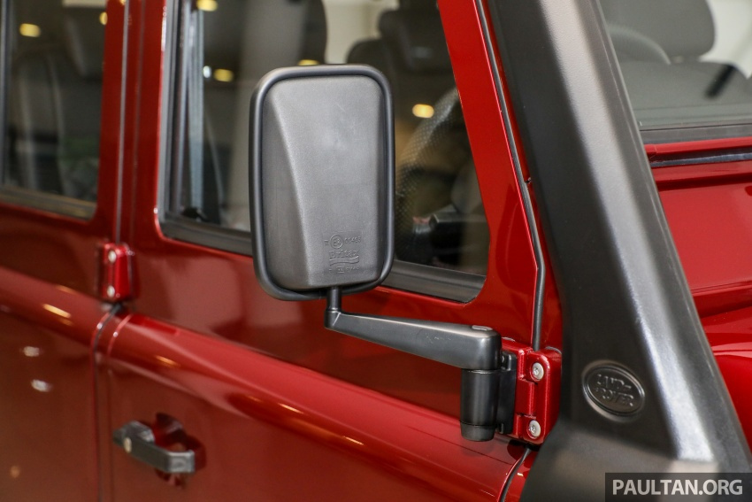 Land Rover Defender – final commemorative edition of 12 units introduced in Malaysia, three special colours Image #767846