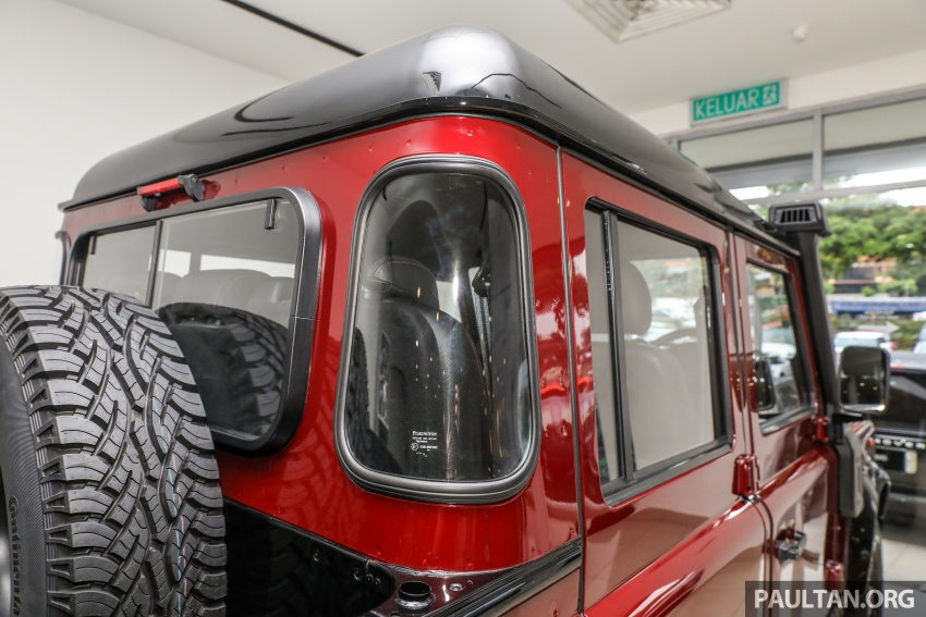 Land Rover Defender – final commemorative edition of 12 units introduced in Malaysia, three special colours Image #767861