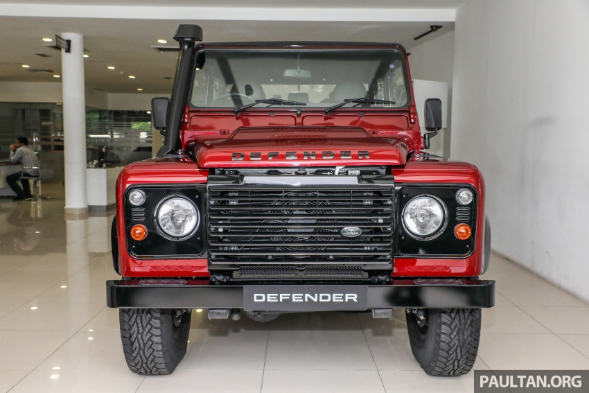 Land Rover Defender – final commemorative edition of 12 units introduced in Malaysia, three special colours Image #767830