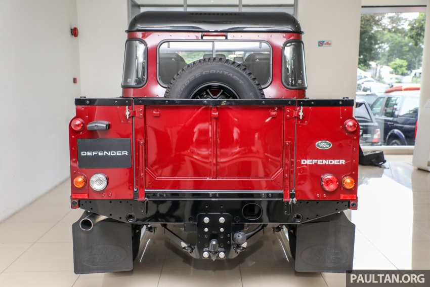 Land Rover Defender – final commemorative edition of 12 units introduced in Malaysia, three special colours Image #767831