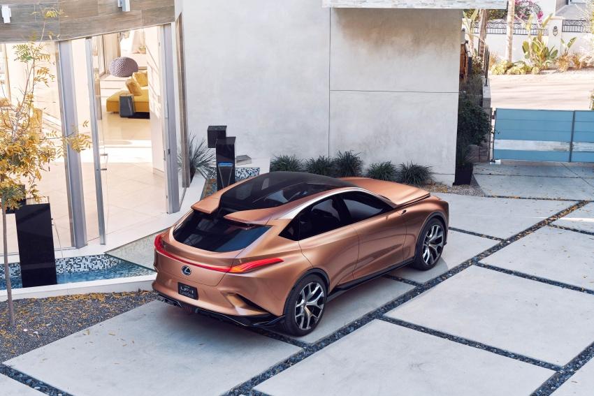 Lexus LF-1 Limitless concept unveiled at Detroit show Image #763376