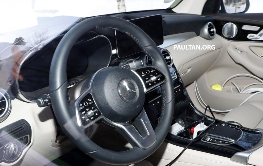 SPYSHOTS: Mercedes-Benz GLC facelift interior seen Image #766644