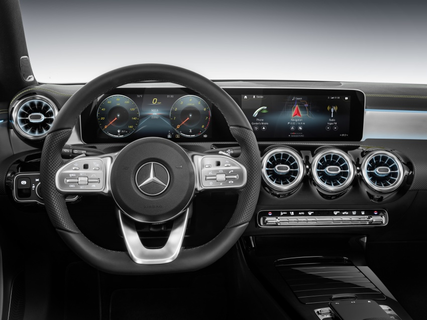 Mercedes-Benz User Experience detailed, previewed Image #767464
