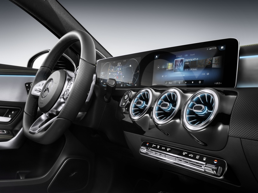 Mercedes-Benz User Experience detailed, previewed Image #767483