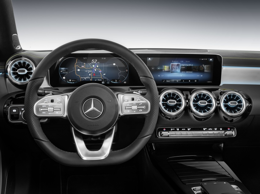 Mercedes-Benz User Experience detailed, previewed Image #767484