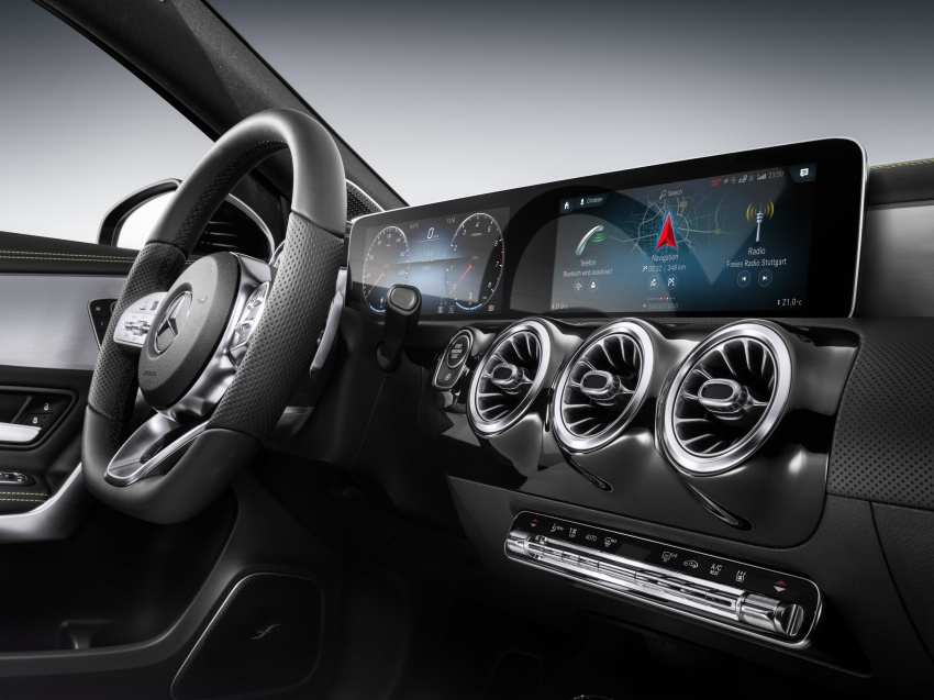 Mercedes-Benz User Experience detailed, previewed Image #767465