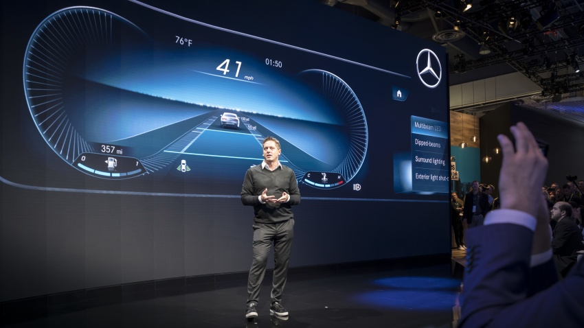 Mercedes-Benz User Experience detailed, previewed Image #767492