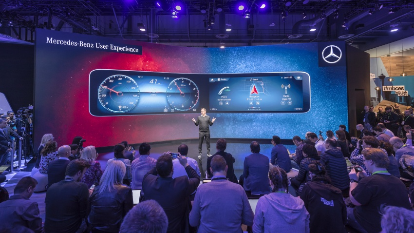Mercedes-Benz User Experience detailed, previewed Image #767493