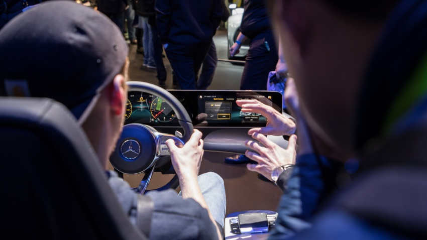 Mercedes-Benz User Experience detailed, previewed Image #767667