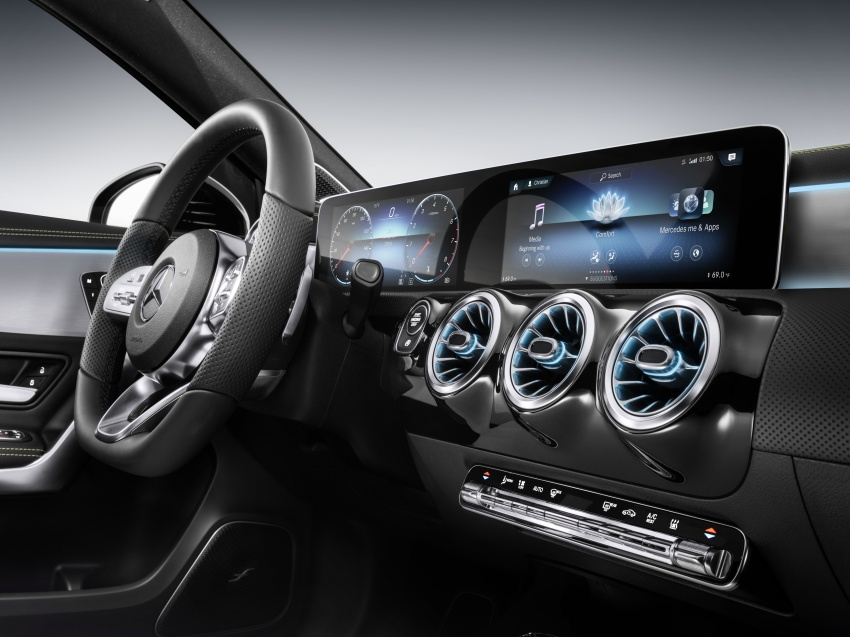 Mercedes-Benz User Experience detailed, previewed Image #767469