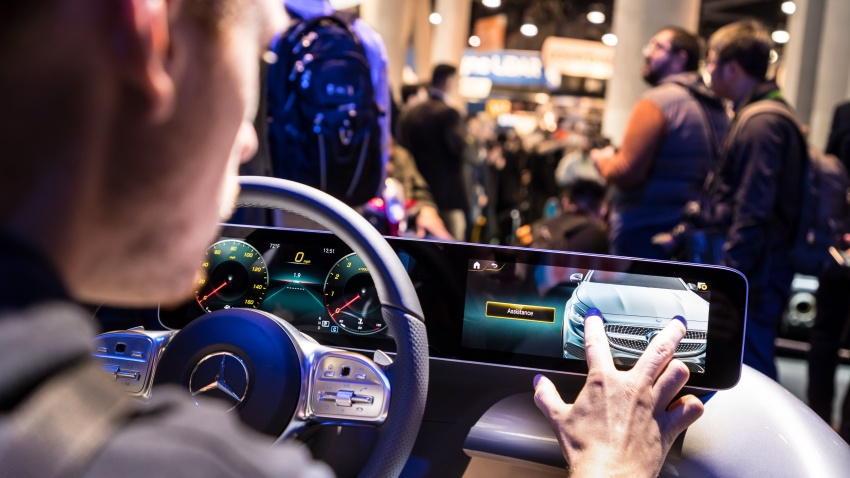 Mercedes-Benz User Experience detailed, previewed Image #767668