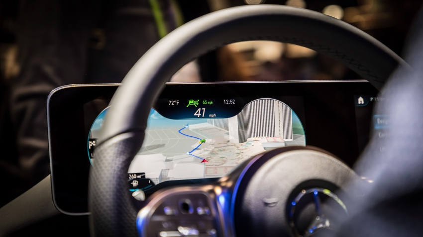 Mercedes-Benz User Experience detailed, previewed Image #767669