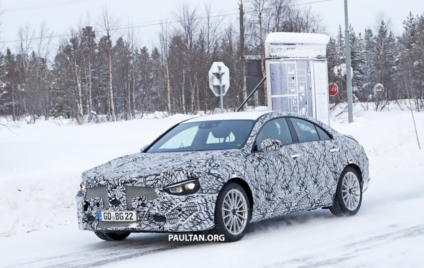 SPYSHOTS: Next-gen Mercedes-Benz CLA sighted Image #766997