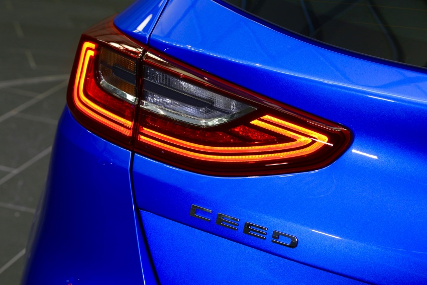 Kia Ceed revealed ahead of Geneva Motor Show – third-gen model gets new styling, name, more tech Image #779573