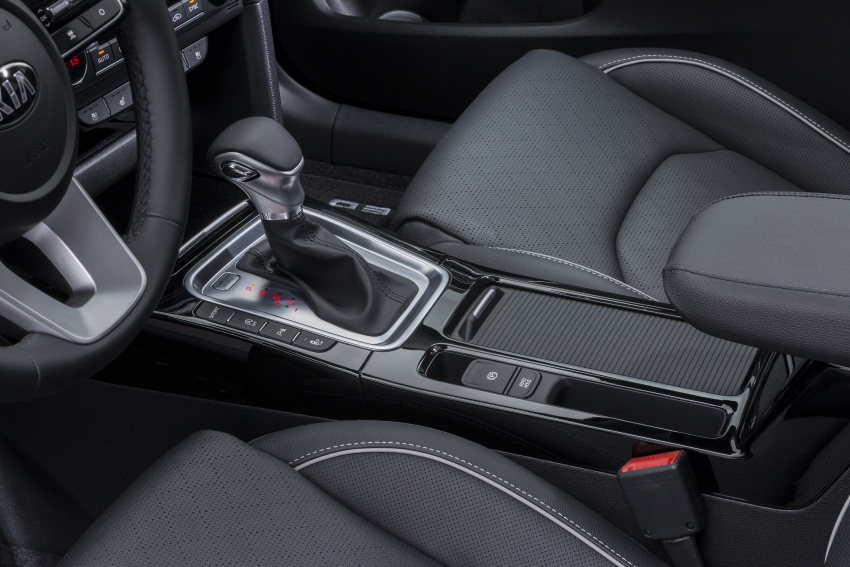 Kia Ceed revealed ahead of Geneva Motor Show – third-gen model gets new styling, name, more tech Image #779667