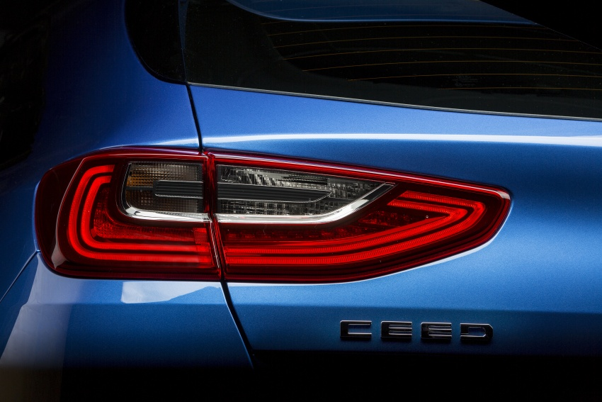 Kia Ceed revealed ahead of Geneva Motor Show – third-gen model gets new styling, name, more tech Image #779680